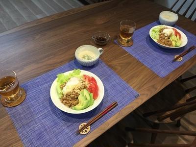 6月28日晩ごはん。サラダうどんは一皿で完成されている。