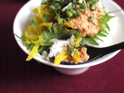 >やっつけ晩ごはん、葱トロたくユッケ丼。 by ささきのりこ。さん