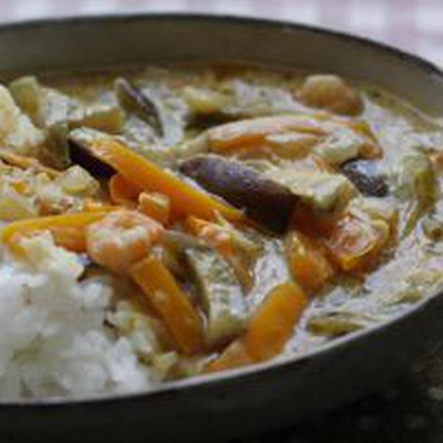 お野菜いっぱい タイ風ココナッツカレー