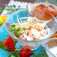 ヨーグルトレモンドレッシング♪新玉ねぎとハムの春色サラダ&オーバーガール