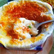 玉ねぎの甘みを楽しむ、オニオンパイグラタンスープ