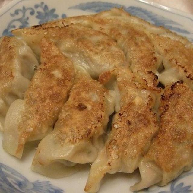 飲茶のような中華夕食は クミンの入った餃子から