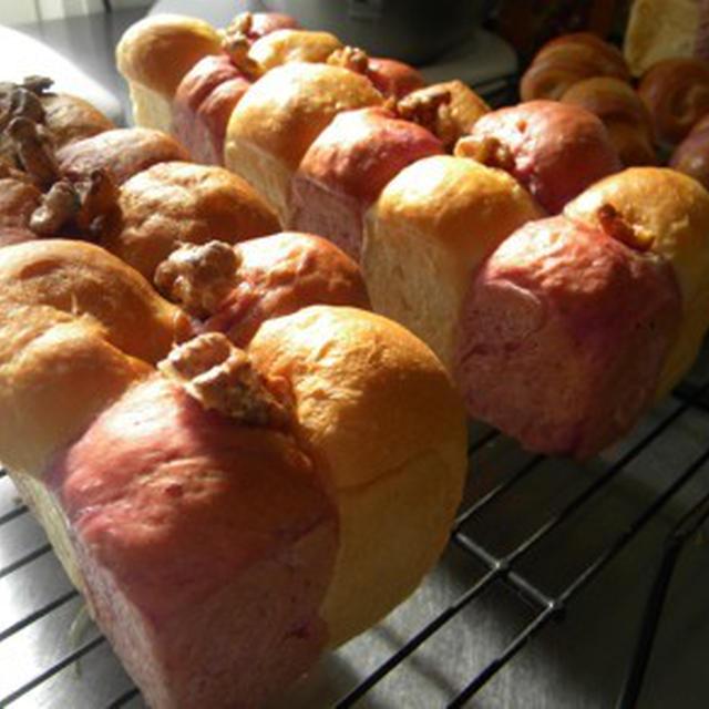 紅いもと胡桃のちぎりパン2家庭用オーブンで焼く