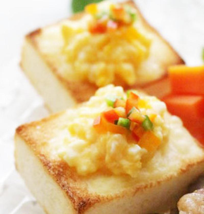 見た目良し!味良し!スクランブルエッグトーストでカンタン朝ごはん