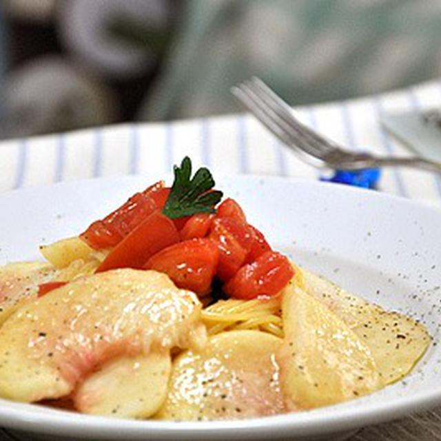 桃とフレッシュトマトの冷製パスタ