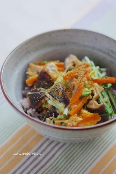 連休中のおうちランチに!簡単♡椎茸のうま煮で♪ハリハリ玉子とじ丼