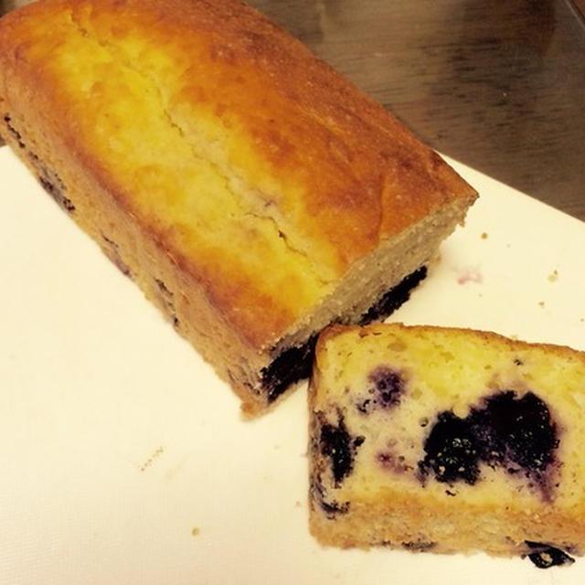 朝食用のブルーベリーケーキ