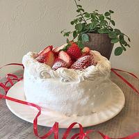 美味しく完成!!乳製品アレルギー対応の苺デコレーションケーキ~♪♪
