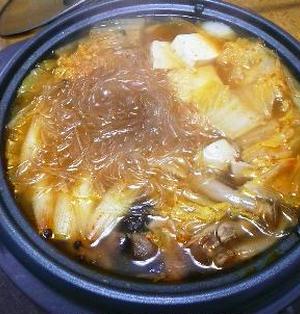豆板醤と花椒、2種類の辛さで味に深みが出ます!自分で叩いたお団子もジューシーでなめらか、中国で食べた懐かしい味「鶏豚だんごの花椒鍋」