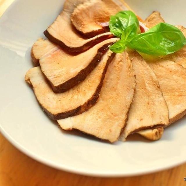 たった1分で煮豚を超柔らかくする[豚肩ロース&紅茶使用]レシピ