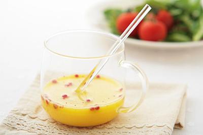 捨てるなんてもったいない!水切りヨーグルトで残る乳清を使って簡単手作りドレッシング!