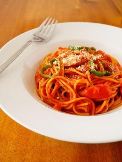 昔ながらの洋食屋さんナポリタン♪簡単レンジでパスタレシピ