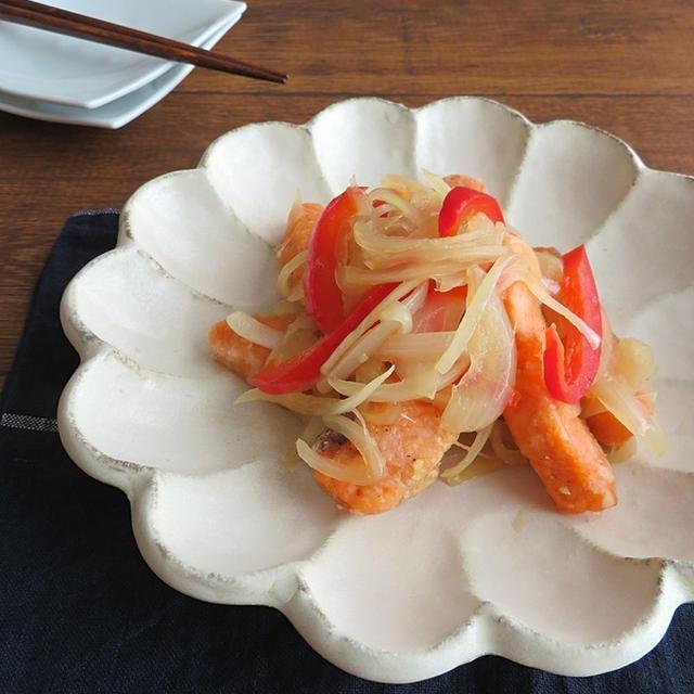 ごはんがすすむお魚料理◎鮭の南蛮漬け