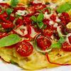 ジャガイモガレットとトマトのガーリックチップピザ