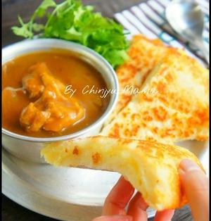簡単【混ぜてフライパンで焼くだけ】パン粉でもちもちチーズナン♡