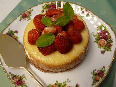 いちごのホワイトチョコケーキ