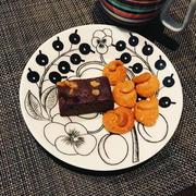 ガトーショコラ、塩鮭で朝ごはん。