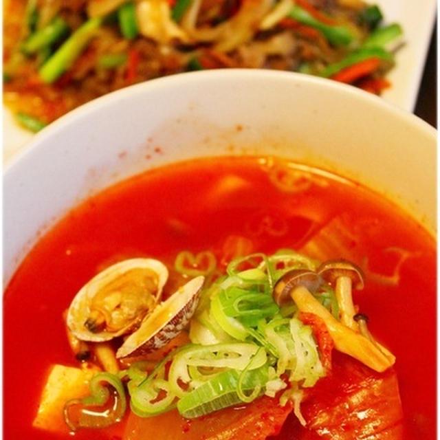 残ったキムチで簡単♪美味♡チゲ風スープ