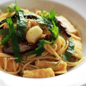 お箸で食べたくなる♪油揚げがおいしい和風パスタ5選