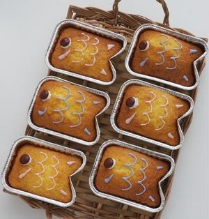 【混ぜて焼くだけ超簡単♪HMと100均型で鯉のぼりカップケーキ*こどもの日に】