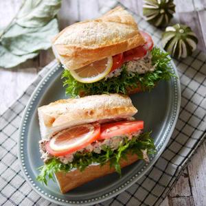 魚をたっぷり食べられる!「サバ缶のカフェ風サンド」を作ろう