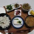 秋刀魚の炊き込みご飯で始まる朝ご飯