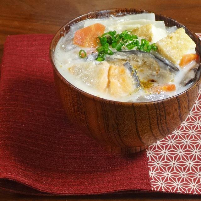 【ダイエットな汁物レシピ】カラダ温まる鮭カマの粕汁