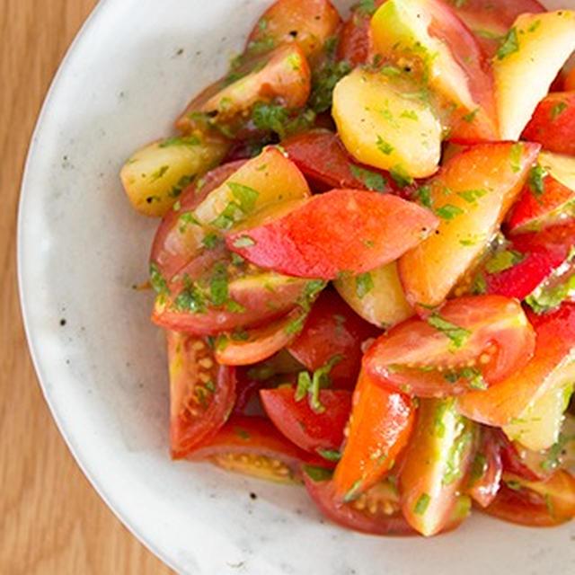 #593 トマトとプラムとハーブのサラダ