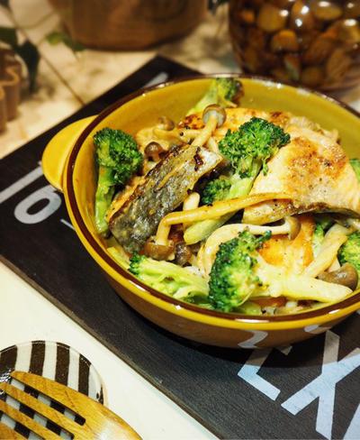 やっとこさ。と もっとちょうだい頂きました♡秋鮭ときのことブロッコリーのオイマヨ炒め♪
