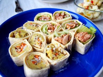 二種のトルティーヤ(オーロラチキン・カレーポテサラとコールラビのサラダ)