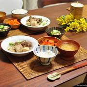 《甘くないよ!さっぱり美味しい高野豆腐と牛肉の塩煮》と献立