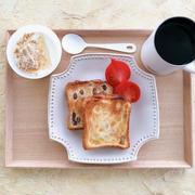 買い置き冷凍パンでひとり朝食