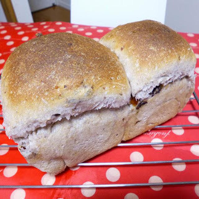 【パン】ホシノで全粒粉入り レーズンとくるみのパン