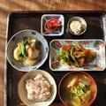 一汁三菜ごはん ◆ 具だくさんおみよつけ、野菜と鶏肉の甘辛炒め タッカルビ、蕪と厚揚げの煮物、ひよこ豆とおからのフムス、赤カブのピクルス