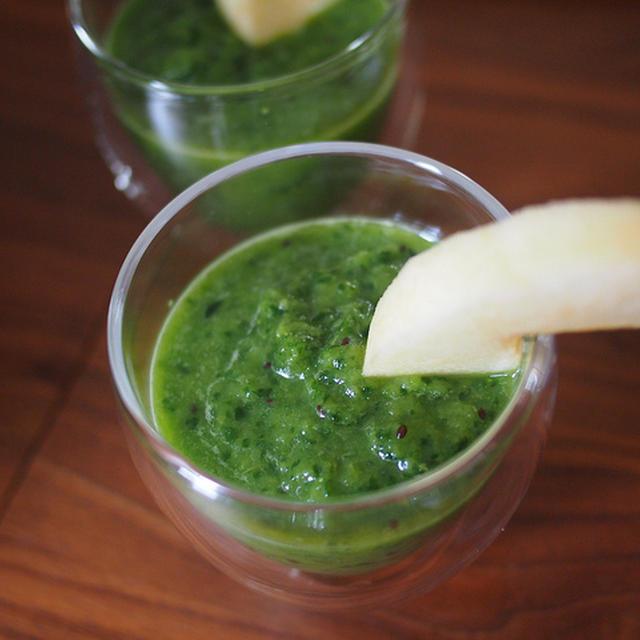 ほうれん草とリンゴとバナナとキウイのグリーンジュース