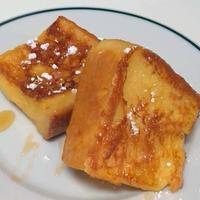 フレンチトーストと、羽田で朝食