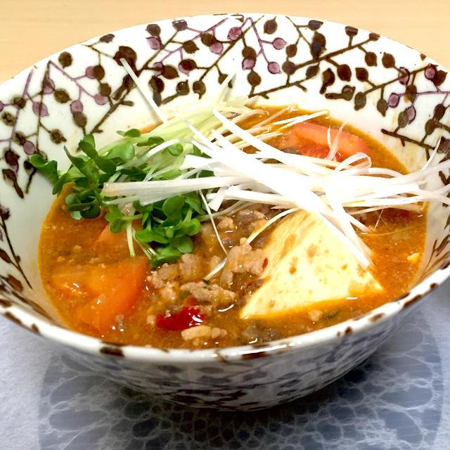 豚ひき肉と豆腐のトマト入りピリ辛スープ