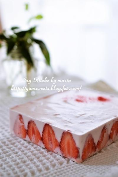 最後のイチゴは豆腐のレアチーズケーキ