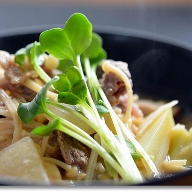 冷蔵庫にあるもんなんでもほうりこめ汁on the豆腐