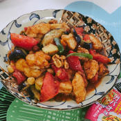 鶏肉と夏野菜のガパオ味炒め
