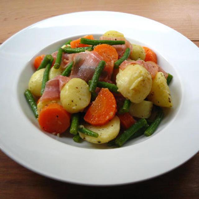 生ハムと茹で野菜のサラダ