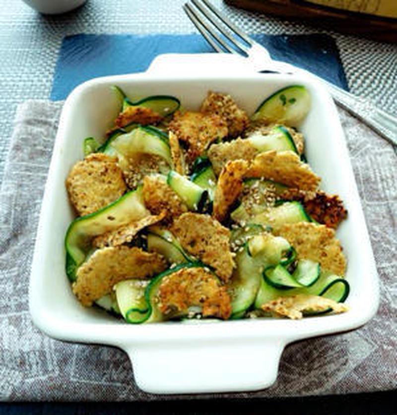 ピーラーを使ってひと工夫!食感楽しい「スライスサラダ」レシピ