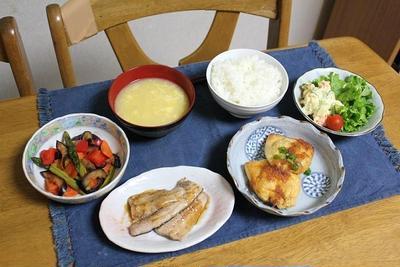 サンマのスタミナ焼きと彩り野菜のトマトソース焼きととろ玉子の巾着でうちごはん(レシピ付)