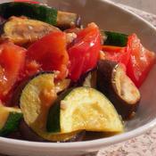 ズッキーニと茄子とトマトの塩麹クミン風味