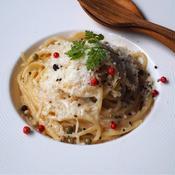 チーズと胡椒のシンプルパスタ