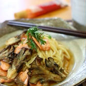 秋生鮭と舞茸のピリ辛*和風パスタ