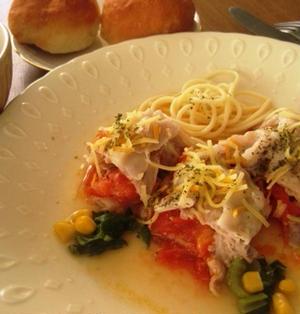 トマトと豚バラ肉のミルフィーユ仕立て