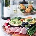 親しいみんなとワインで楽しむ食卓のヒント