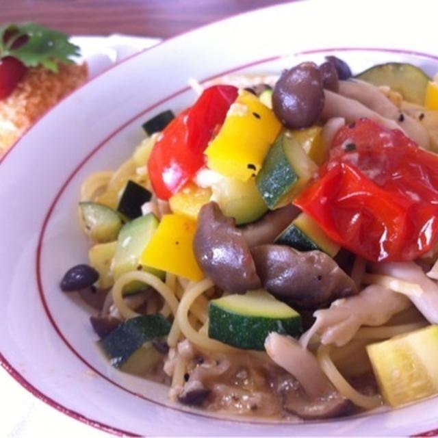 夏野菜モリモリ、ビタミンカラーで暑さを吹き飛ばせ~!カラフル夏野菜パスタ