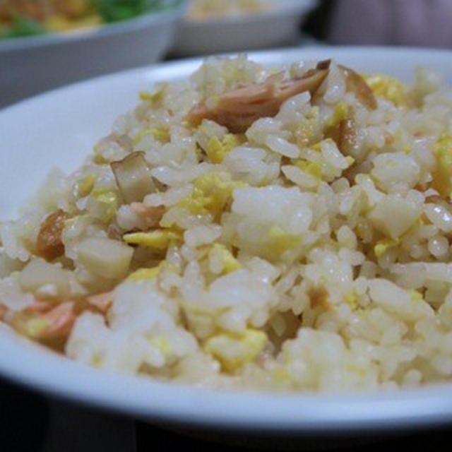 【モラタメ・モラ】 ハウス三つ星食感 中華炒めペーストdeホタテとシャケのチャーハン♪